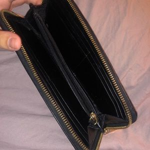 Michael Kors Bags - Michael Kors Jet Set Continental Wallet